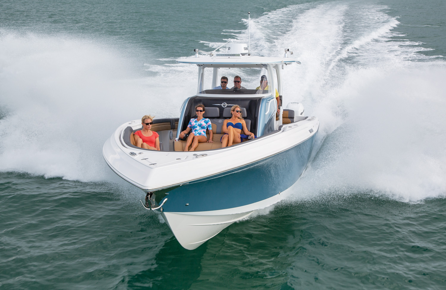 43 NX New Generation of Fountain Center Console Boats